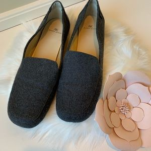 Anne Klein charcoal gray loafers